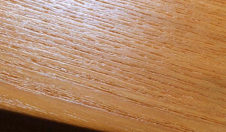 ラッカー塗装の表面
