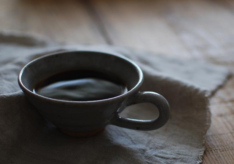 カップに入ったホットコーヒー