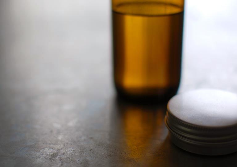 乾性油と蜜蝋ワックス