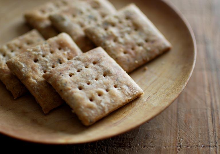 胡椒&粉チーズクラッカー