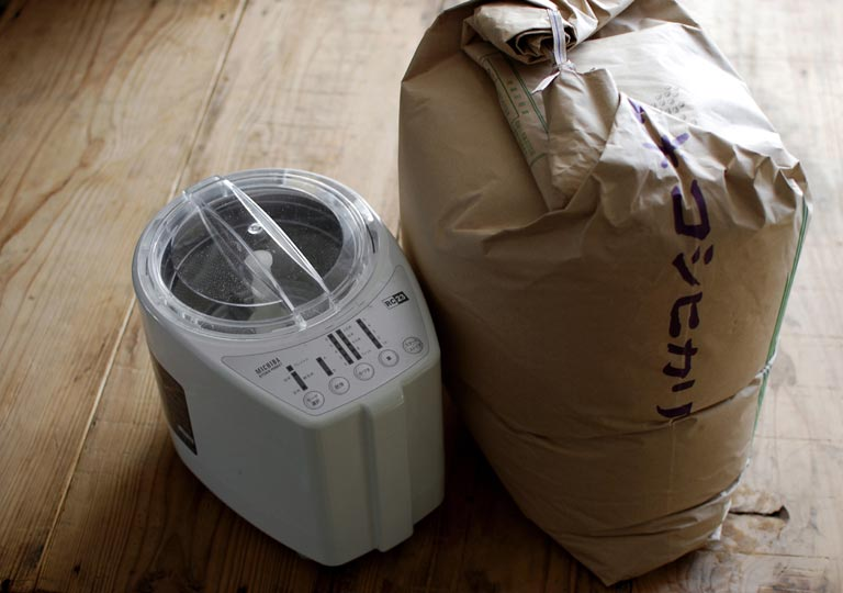 玄米と精米機