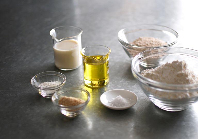 材料の小麦粉や豆乳など