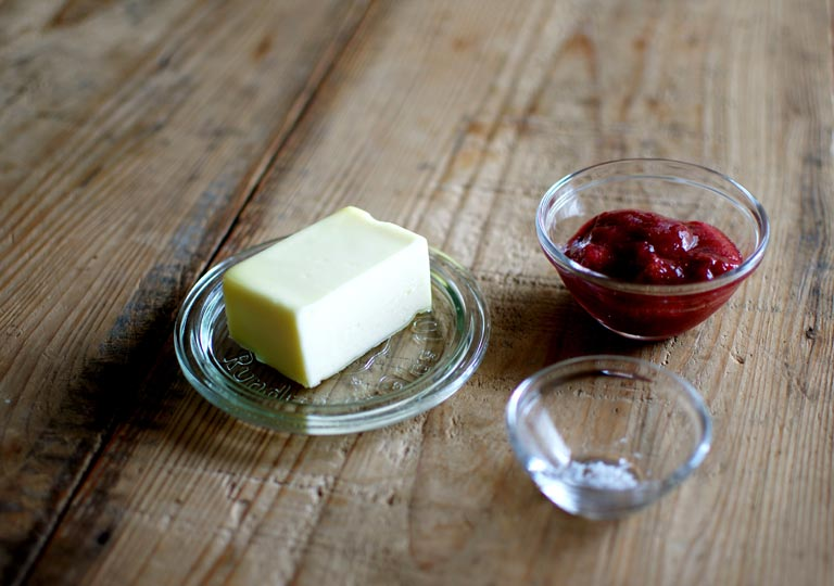 苺バターの材料